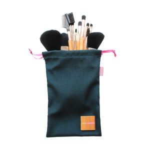 Brushes & Applicators